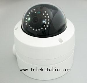 Telecamera IP antivandalo con Wi-Fi e microSD